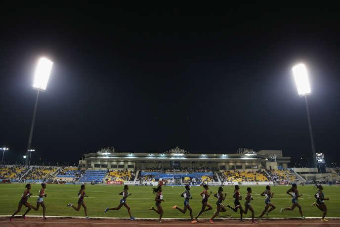 Le 3000 mètres féminin, lors de la 5e édition de la Ligue de diamant, au Qatar Sports Club, à Doha, le 9 mai 2014.