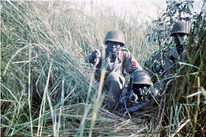 Photographie inédite prise par un officier français en opération au Cameroun en 1958-1959 et confiée aux auteurs de « La Guerre du Cameroun ».