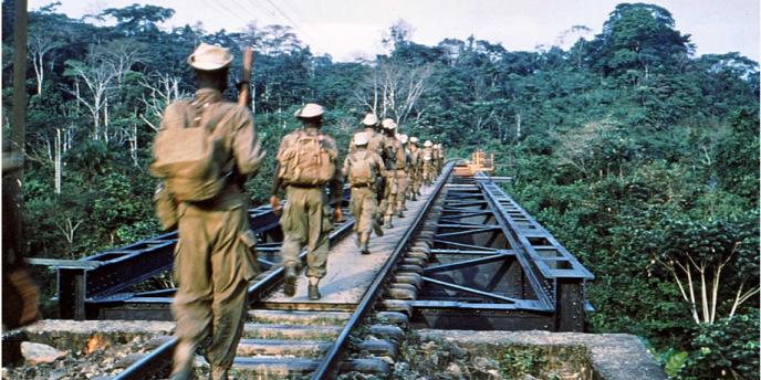 Photographie inédite prise par un officier français en opération au Cameroun en 1958-1959 et confiée aux auteurs de« La Guerre du Cameroun».