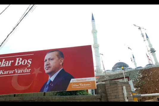 Coup d'état, arrestations massives,démantèlement de l'Etat de droit - tout-est-il sous le contrôle Recep TayyipErdoganen Turquie ? Quelle est la fiabilité du pays pour l'UE et l'OTAN ?.Istanbul date non précisée.