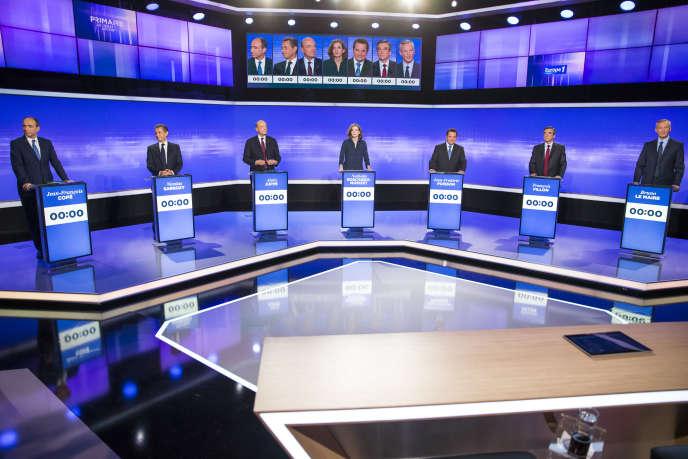 Jean-François Copé, Nicolas Sarkozy, Alain Juppé, Nathalie Kosciusko-Morizet, Jean-Frédéric Poisson, François Fillon et Bruno Le Maire participent au troisième débat télévisé entre les candidats à la primaire de la droite et du centre, sur France 2 le 17 novembre.