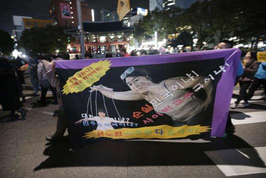 Lors d'une manifestation à Séoul le 31 octobre.