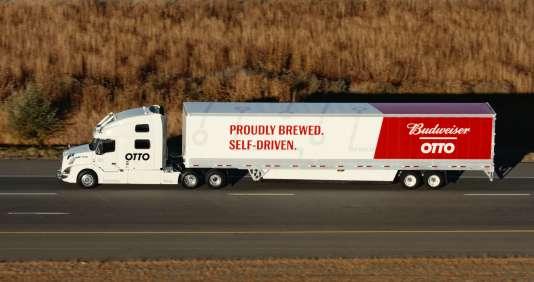 Le camion, un Volvo Trucks, était équipé de caméras, d'un laser fonctionnant comme un radar et de capteurs à ultrasons reliés à un ordinateur.