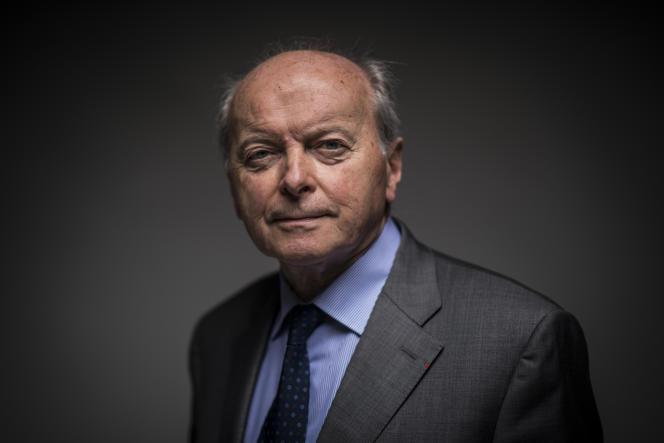 Portrait du défenseur des droits, Jacques Toubon, à Paris, le 8 juillet.