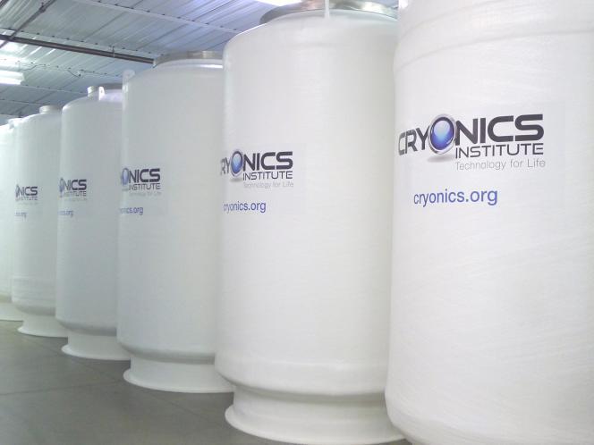 Containers de «cryopréservation» au Cryonics Institute de Clinton Township (Michigan) en 2014.