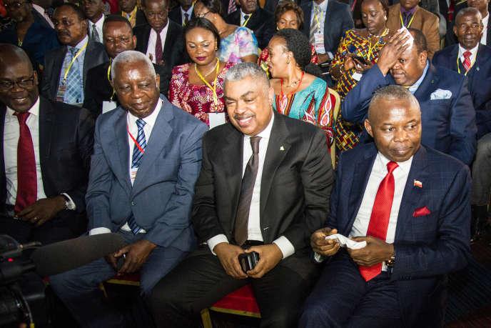 Samy Badibanga (au centre) à Kinshasa, en septembre 2016.