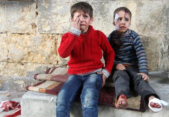 Les bombardements ont fait de nombreuses victimes, vendredi 18 novembre à Alep-Est.