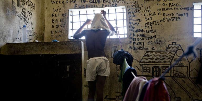 Dans une cellule de la prison centrale de Monrovia, au Liberia.