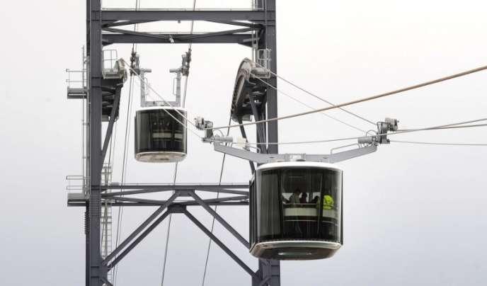 Le téléphérique urbain de Brest, qui permet de traverser la Penfeld, le fleuve qui sépare la ville en deux, a été inauguré le 19 novembre.