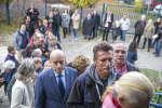 Alain Juppé, candidat à la primaire à droite et au centre, vote à la mairie de Caudéran à Bordeaux, dimanche 20 novembre 2016 - 2016©Jean-Claude Coutausse / french-politics pour Le Monde