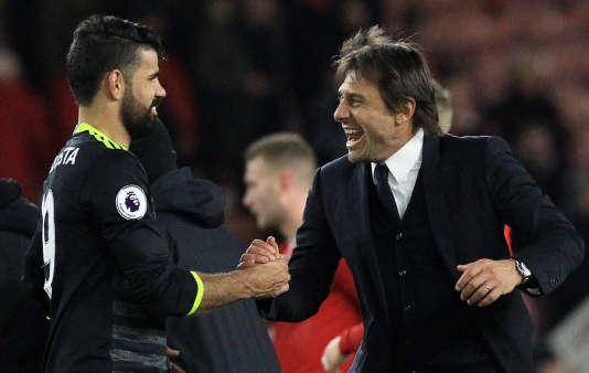 Avec 28 points, les Blues d'Antonio Conte devancent d'un point Liverpool et City, et de trois Arsenal.