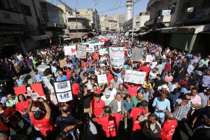 Manifestations contre le contrat d'approvisionnement en gaz entre la Jordanie et une entreprise israélo-américaine, à Amman, le 14 octobre.