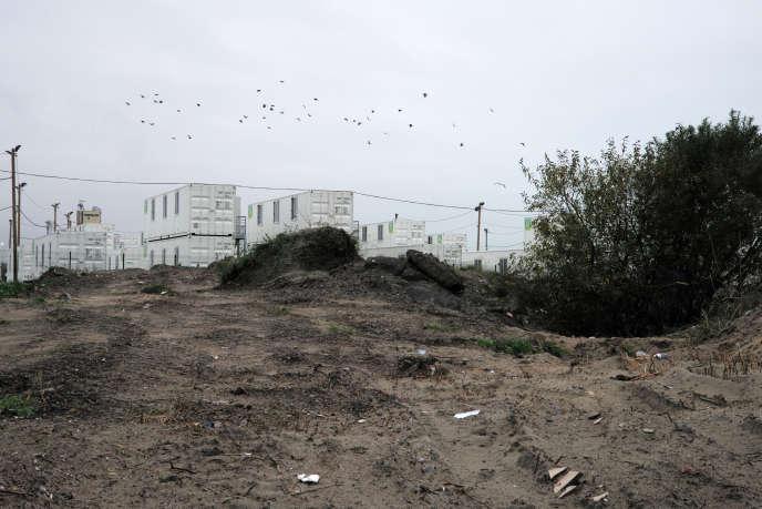Photo réalisée le 15 novembre 2016 du centre d'accueil provisoire (CAP) de l'ancienne « jungle» de Calais démantelée trois semaines plus tôt.