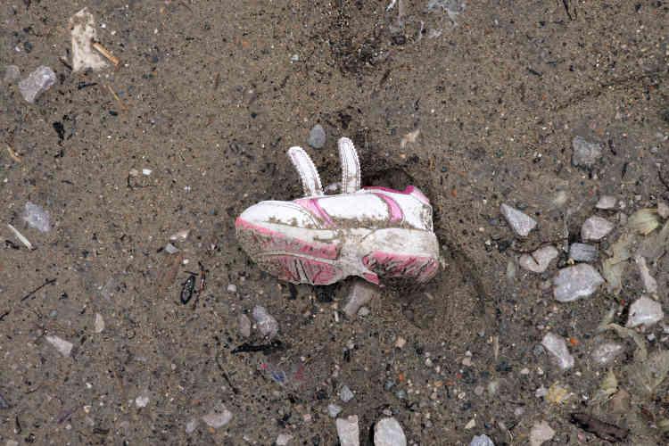«Qu'allons-nous retenir? Qu'envers ces survivants – des guerres, des traversées en mer, des mois de voyage et de tant d'autres choses – en demande de protection, la violence est partout. Dans la réponse sécuritaire de l'Etat comme dans son approche «humanitaire». Les exilés reviendront aussi longtemps que Calais restera en face de l'Angleterre, et Calais nous apprendra d'autres leçons»Lou Einhorn-Jardin, psychologue