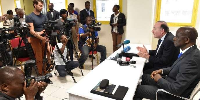 Pierre Gattaz, lors d'une conférence de presse à Abidjan, en avril 2016.