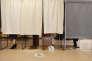 Dimanche 20 novembre, dans le centre de vote de l'école Minerve à Viry-Châtillon (Essonne).