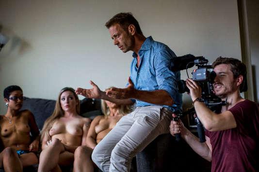 Rocco Siffredi sur le tournage d'un de ses films.