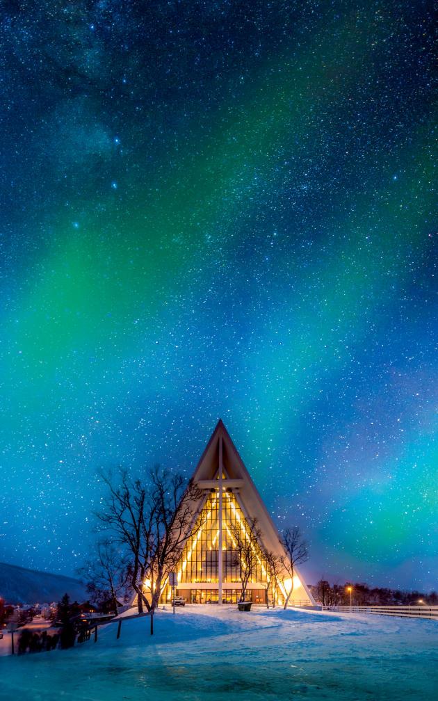 L'église de Tromsø, plus connue sous le nom de Cathédrale arctique.
