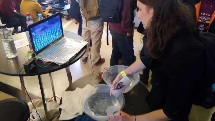 «Poséidon» est un jeu qui se contrôle avec de l'eau.
