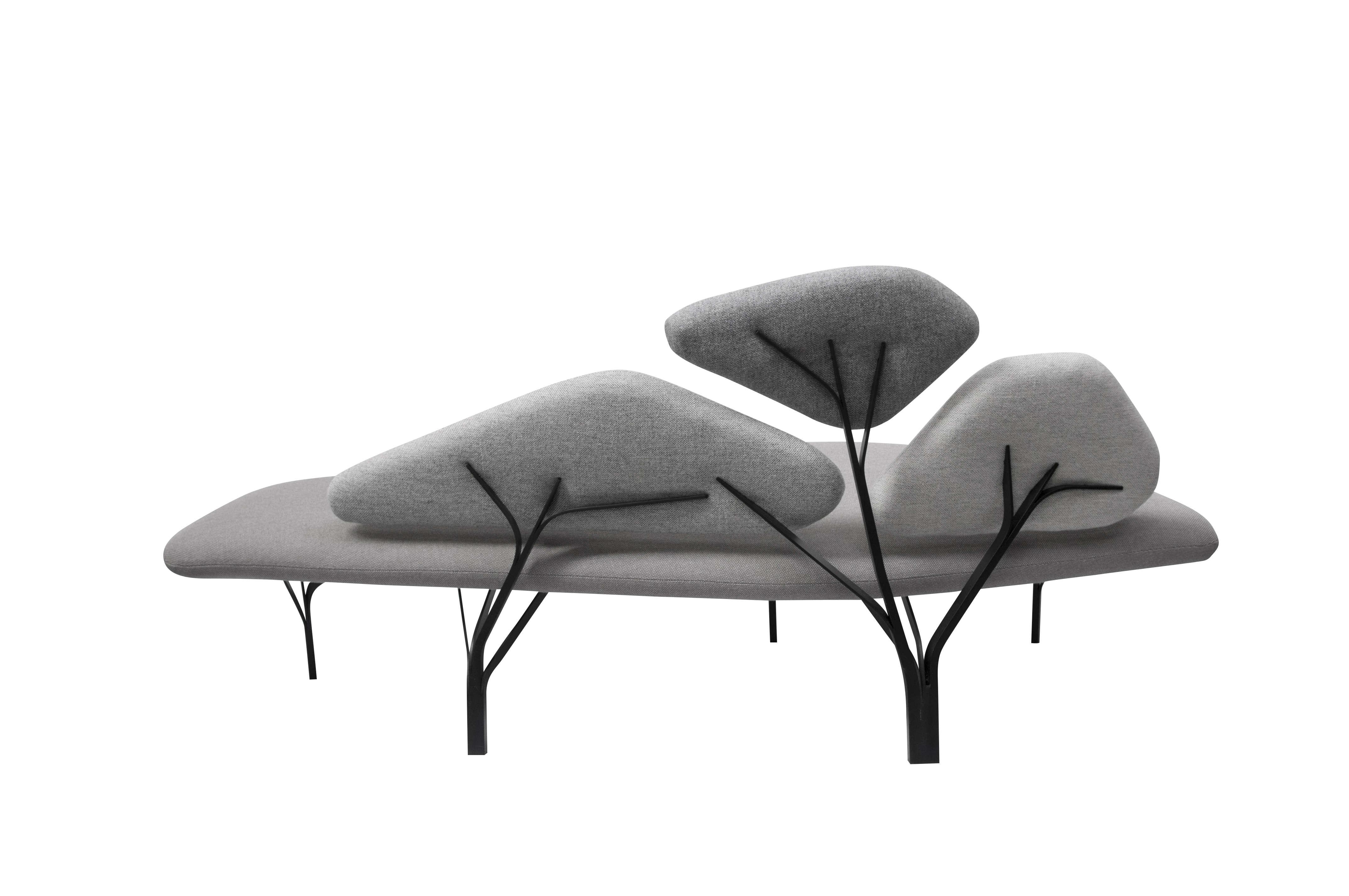 Le canapé Borghese a été inspiré par les pins parasols de la VillaBorghese au designerNoé Duchaufour Lawrance et édité par La Chance.