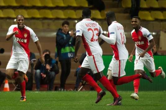 Djibril Sidibe célèbre son but face à Tottenham, le 22 novembre en Ligue des champions.