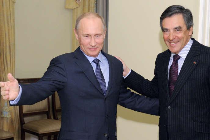 Pour le politologue Cyrille Bret, la russophilie de François Fillon – « farouchement gaullien » – « lui confère l'image d'un homme fort, par contagion d'images entre lui et Vladimir Poutine ». Ici les deux hommes en mars 2013 à Moscou.
