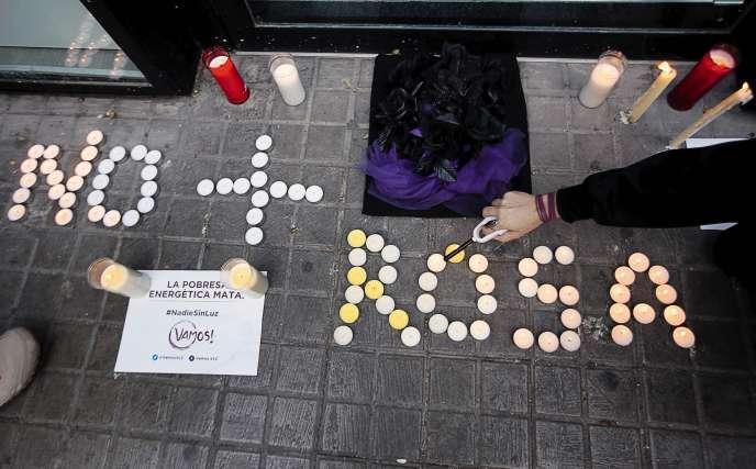 Une manifestation à Valence, le 19novembre, contre les coupures d'électricité qui ont coûtéla vie à la damede 81ans.