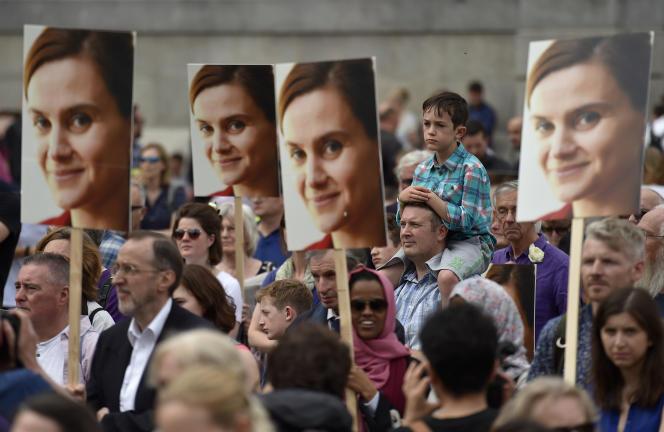 Manifestation en mémoire de la députée britannique Jo Cox, le 22 juin, à Londres.