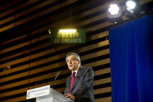 Francois Fillon lors de son discours à Chassieu, près de Lyon, le 22 novembre.