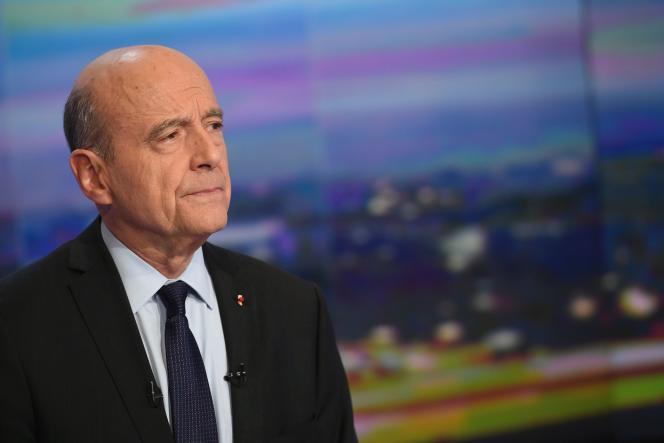 «A la Russie, mon message est qu'elle doit réfléchir à une solution politique durable en Syrie, plutôt que de vouloir imposer la fausse paix des cimetières » (Photo: Alain Juppé sur TF1 le 23 novembre).