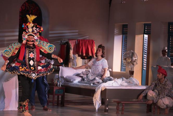 Duccio Bellugi-Vannuccini, Hélène Cinque et Shafiq Kohi dans«Une chambre en Inde» mise en scène d'Ariane Mnouchkine.