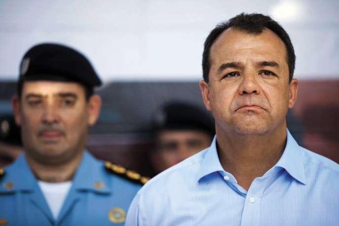 Élu en 2006 à la tête de l'État de Rio de Janeiro, Sérgio Cabral (ici, le 17 novembre, jour de son incarcération), était un proche de l'ex-président Lula da Silva.