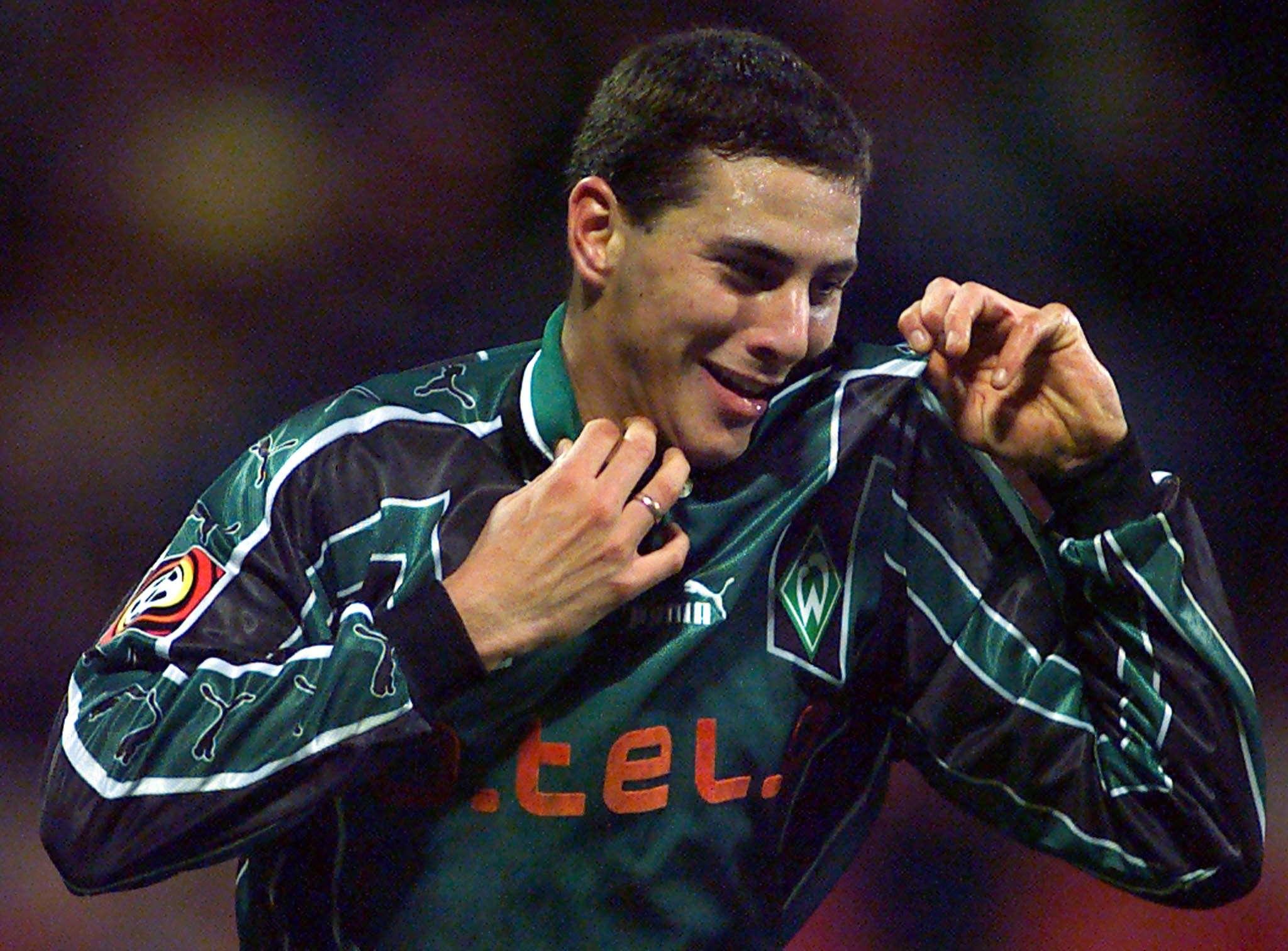 Au Werder, Pizarro explose avec 29 buts marqués en deux saisons. Le Péruvien vit son troisième passage à Brême depuis 2015. Il a été cantonné à un rôle de remplaçant cette saison - 19 apparitions pour un but. Il souhaite prolonger en Allemagne mais le Werder réserve son avis. Sinon, le club mexicain de Cruz Azul s'est dit intéressé.
