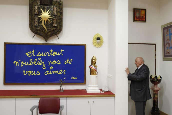 Alain Frere, le maire de Tourrette-Levens (Alpes-Maritimes), à l'hôtel de ville.