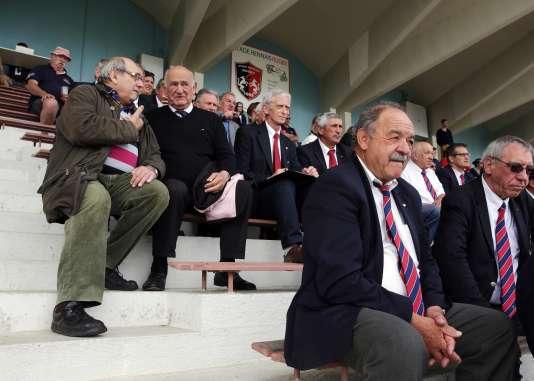 Le président de la Fédération française de rugby, Pierre Camou (en pull noir), 71 ans, en juin 2016 à Rennes.