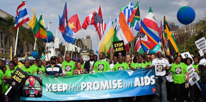 Le 16 juillet 2016, manifestation à Durban, en Afrique du Sud, avec le slogan « Tenons notre promessede lutte contre le sida».