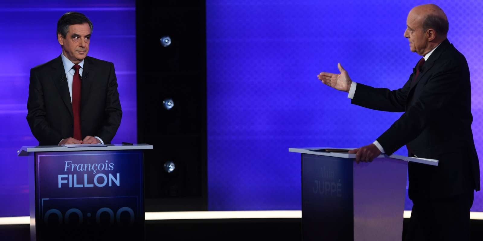 François Fillon et Alain Juppé débattent, jeudi 24 novembre, à trois jours du second tour de la primaire de la droite.