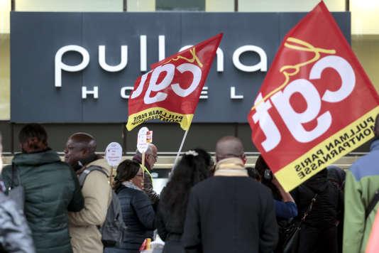 Plusieurs dizaines de salariés de l'hôtel Pullman ont débrayé le 22 novembre à l'appel de la CGT.