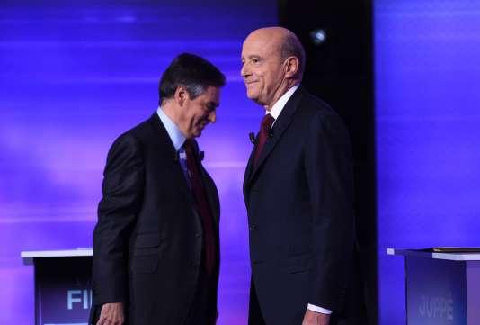 François Fillon et Alain Juppé, jeudi 24 novembre sur France 2, lors du débat de l'entre-deux-tours de la primaire de la droite.
