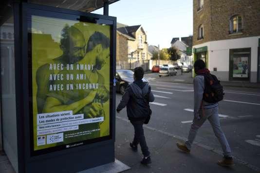 Une des affiches incriminées appartenant à la campagne du ministère de la santé, à Rennes le 22novembre.