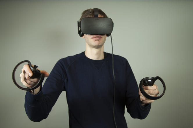 L'Oculus Rift est un casque de réalité virtuelle commercialisé en mars 2016.