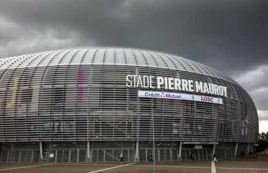 Le stade ultramoderne Pierre-Mauroy, d'une capacité de 50283places, a ouvert ses portes à l'été2012.