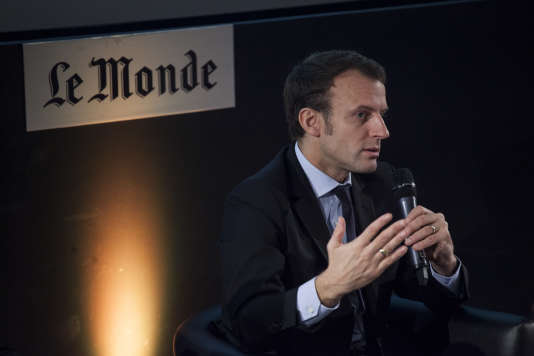 «Je ne crois pas que le programme de François Fillon soit libéral sur le plan économique, il est au contraire profondément conservateur» (Photo: Emmanuel Macron invité du Club de l'économie du Monde, à Paris, le 24 novembre).
