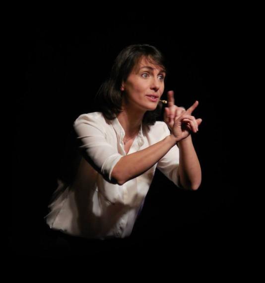 Olivia Moore estime que sa formation à L'Ecole du one-man-show lui a permis d'affûter ses textes.