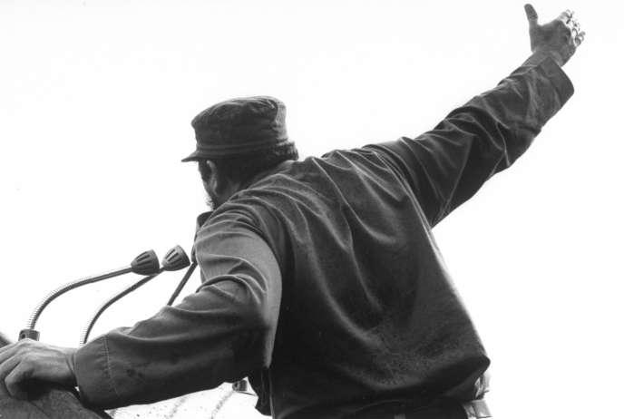 Discours de Fidel Castro devant des paysans.
