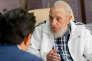 Fidel Castro s'entretient avec le premier ministre japonais Shinzo Abe à La Havane, le 22 septembre.