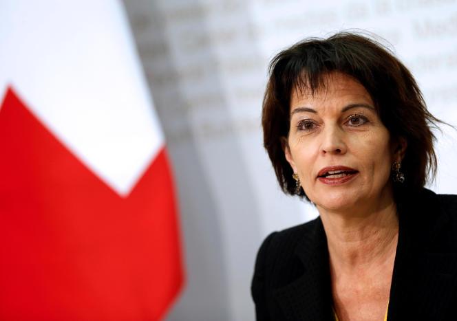 Doris Leuthard, conseillère fédérale est en charge de l'environnement et de l'énergie lors d'une conférence de presse, à Berne le 27 novembre.