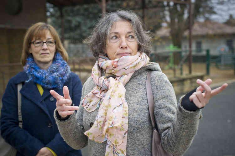 Deux électrices de gauche qui ont choisi de voter au second tour de la primaire de la droite et du centre à Saint-Didier-au-Mont-d'Or (Rhône).