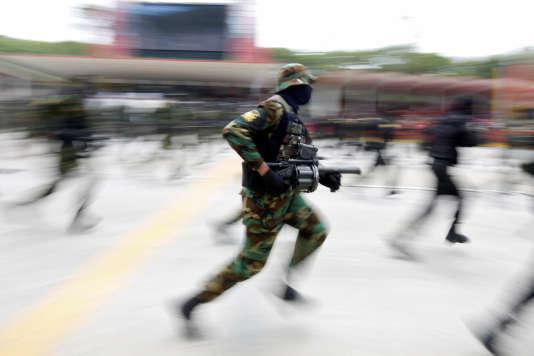 Des ONG de défense des droits de l'homme affirment que des exécutions sommaires, des arrestations arbitraires et des perquisitions illégales n'ont pas permis de réduire le niveau de la délinquance dans le pays.