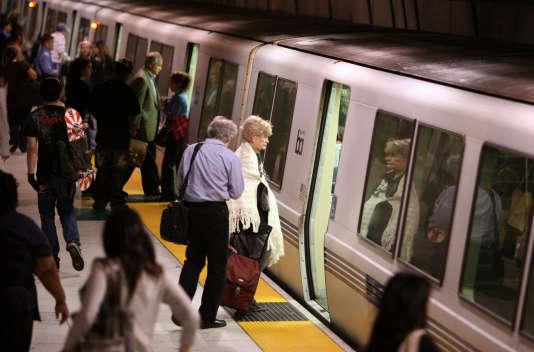 La Municipal Transportation Agency (MTA) gère les transports en commun à SanFrancisco.